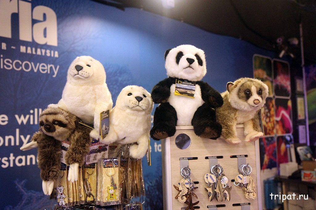 игрушки в магазине океанариума