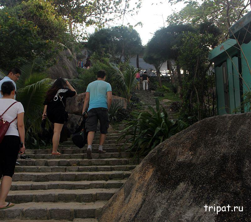 лестница на выход
