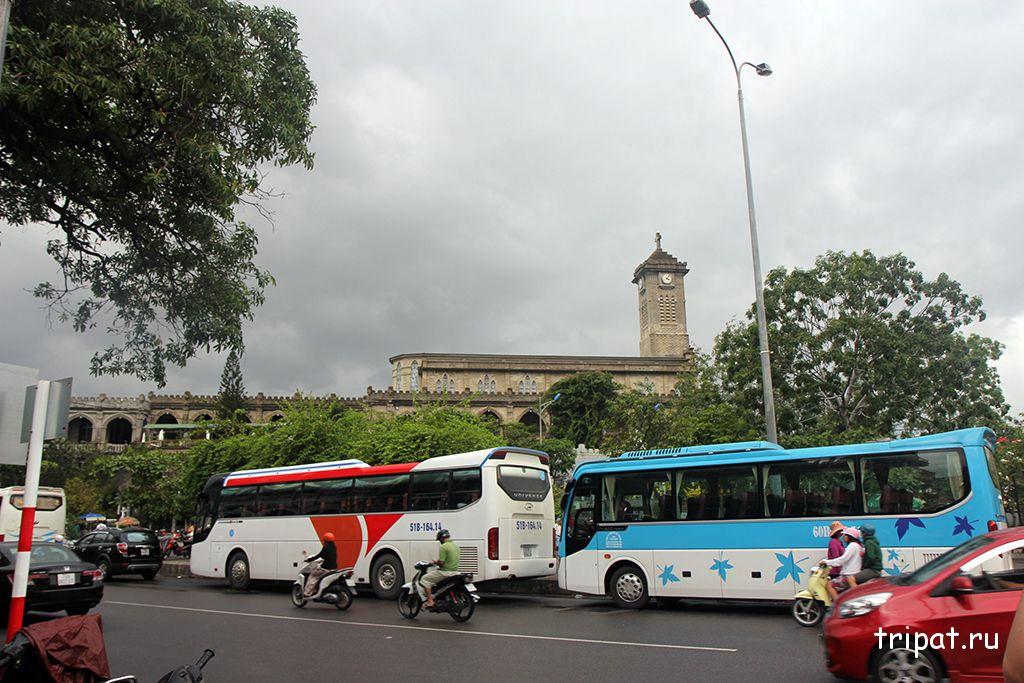 Вид на Кафедральный собор с дороги