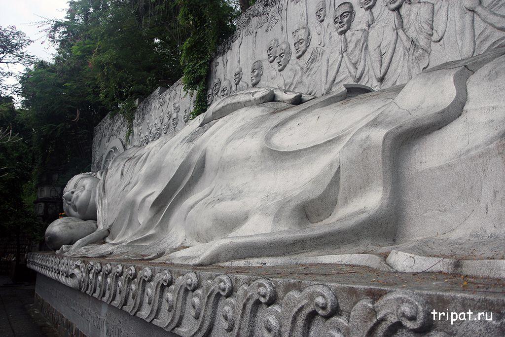 вид справа лежачий будда