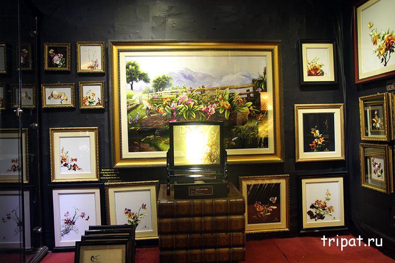 комната картин из шелка