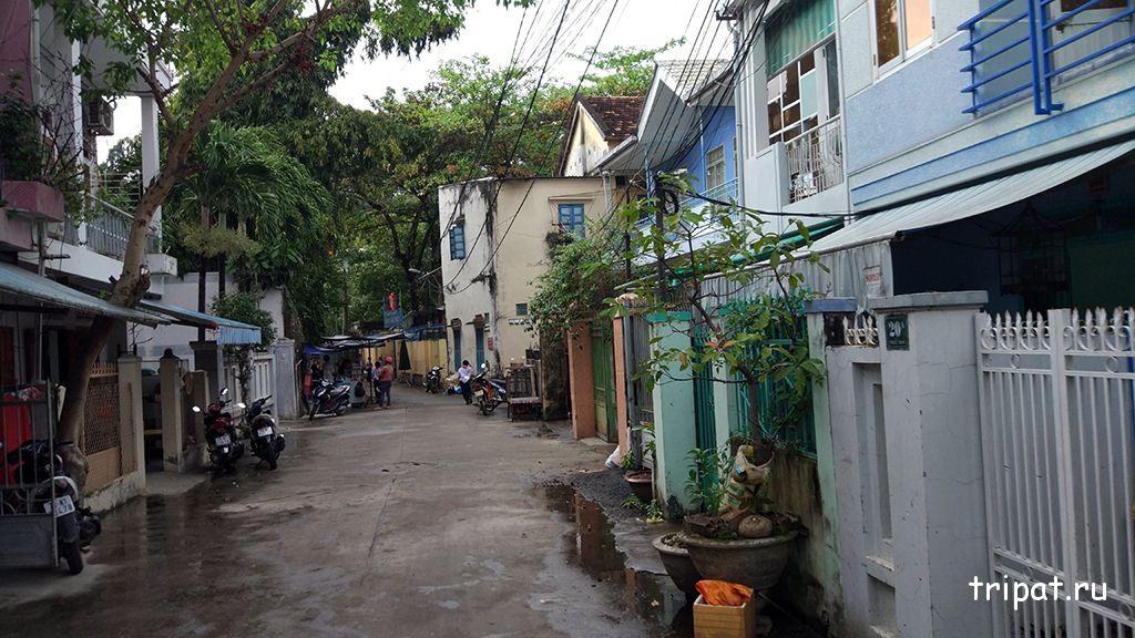 переулок перед пагодой