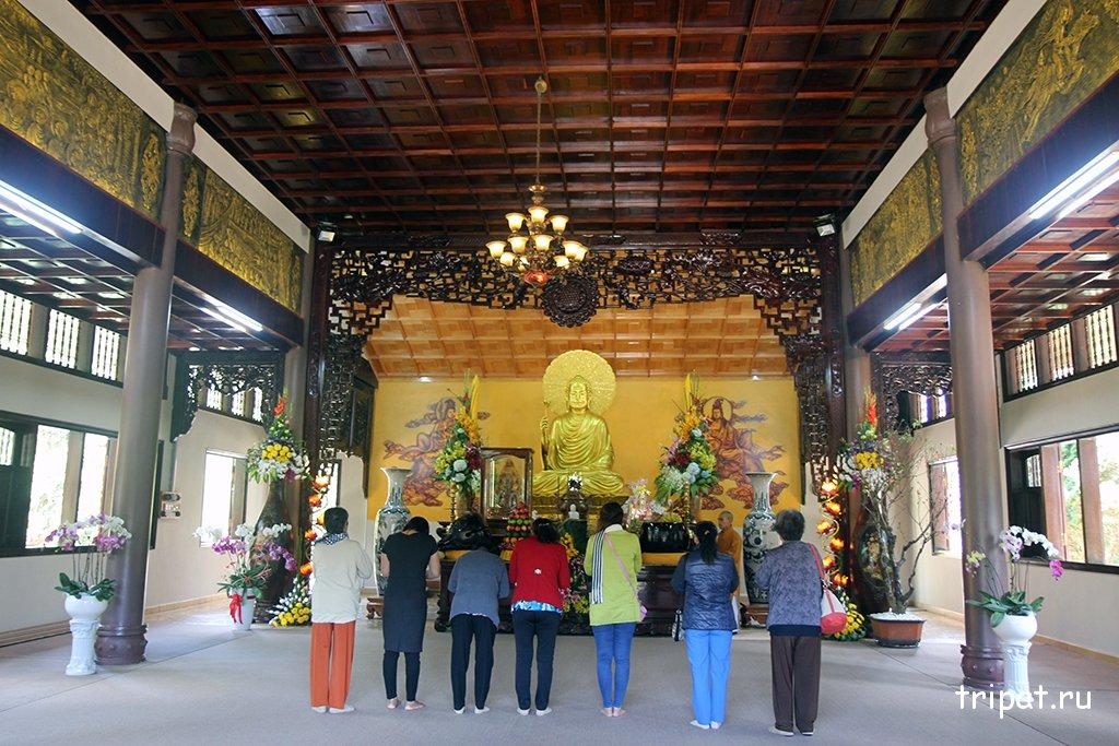 Красочная канатная дорога в Далате к монастырю Чук Лам Тхиенвиен