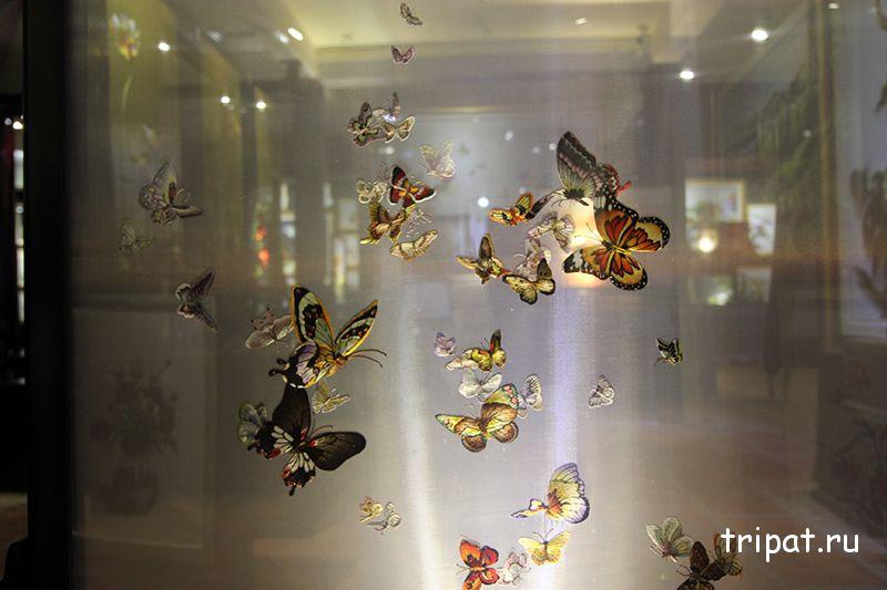 двусторонняя картина с бабочками