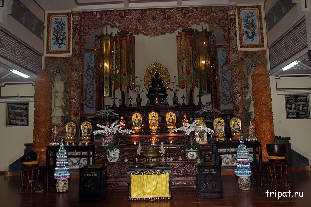 вид в храме пагоды лонг шон