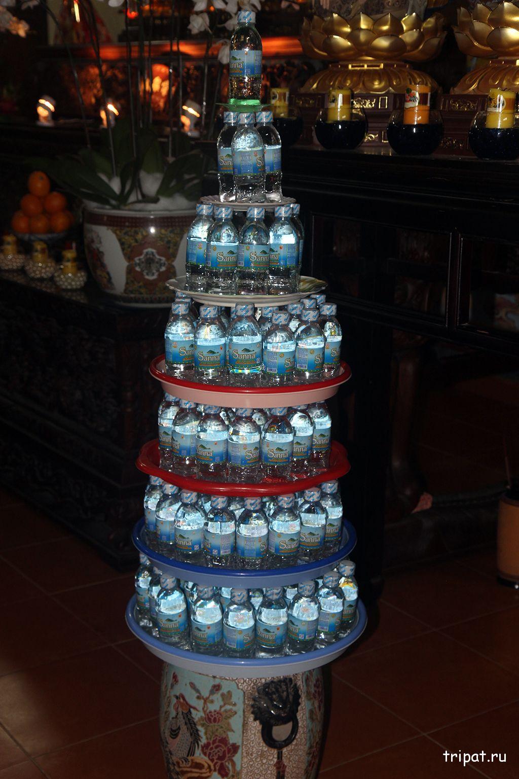 вода в храме