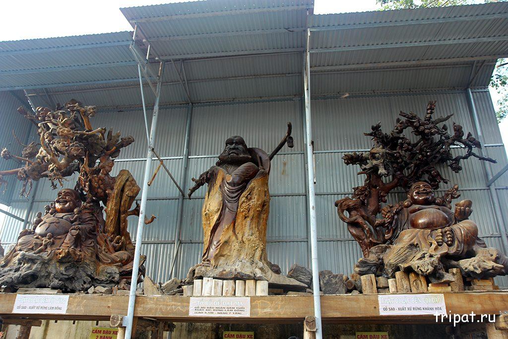Ржачные деревянные фигуры