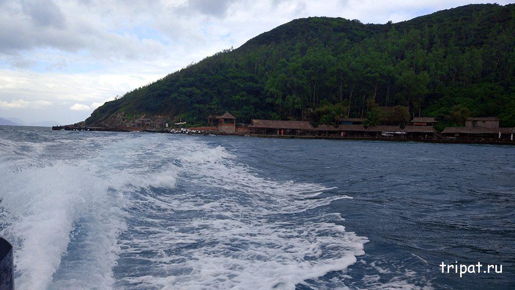 Вид на остров Хон Че при отплытии
