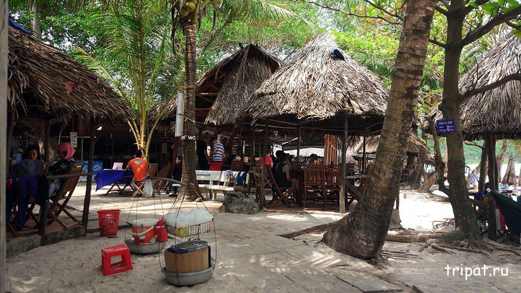 Летнее кафе на пляже Бай Сао