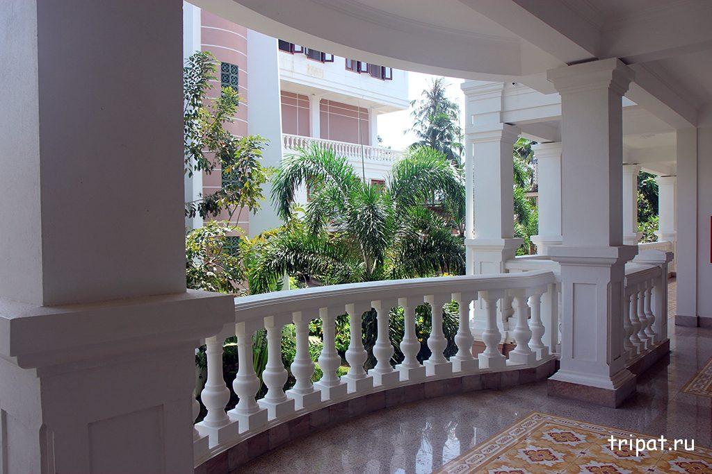Балкон в коридоре корпуса