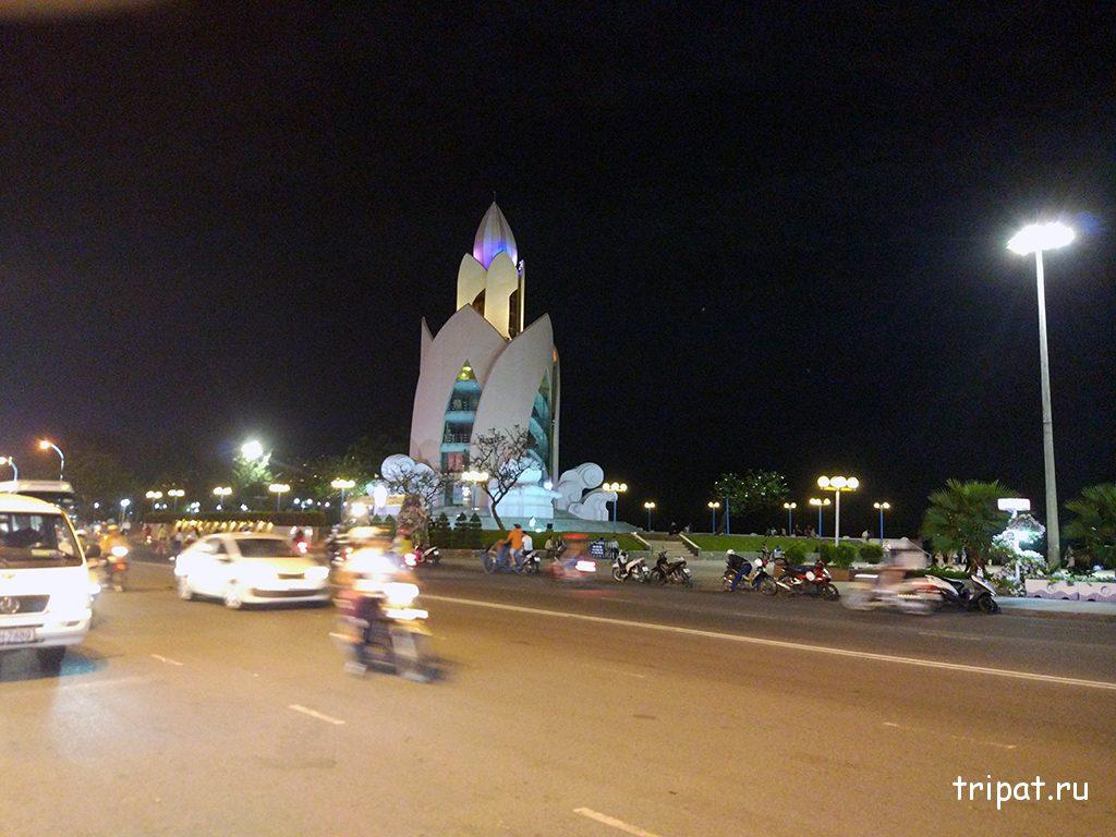 Башня Лотос