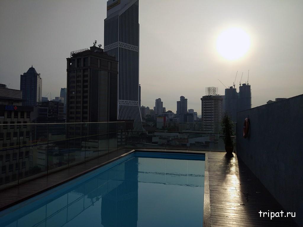 Восход на крыше отеля