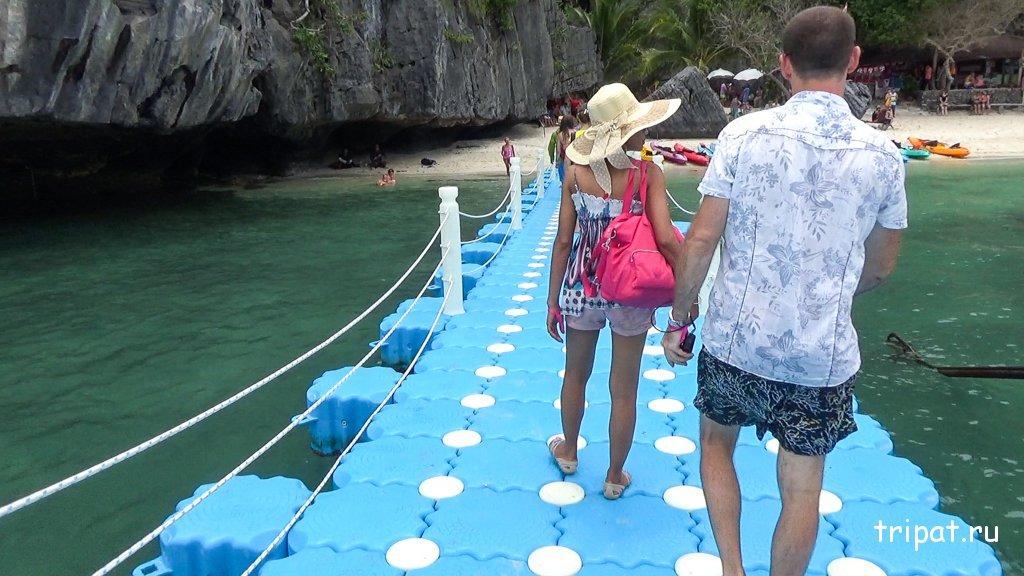 Понтон для спуска с катера